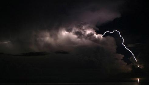 lightning_lake_3